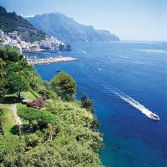 Five experts reveal their insider tips, from a ceramics tour of the Amalfi Coast to a culinary dr...