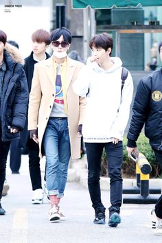 ravi just looks like a diva while hongbin is glowing in the sunshine