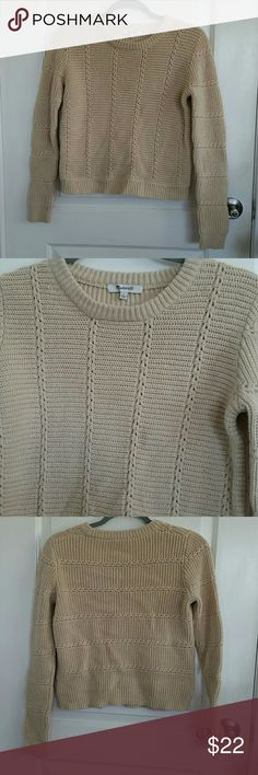 Madewell Sweater Fits like an XS but it says S. Never been worn. Cream, beige color. Madewell Sweaters