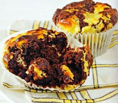 Chocolate Cheesecake Muffins Recipe - http://www.allbakingrecipes.com/recipes/chocolate-cheesecake-muffins-recipe/