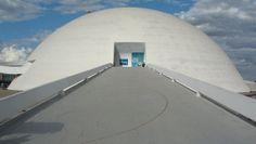 Museu Honestino Guimarães Fonte: http://arquitetablog.blogspot.com.br/2011/06/brasilia-museu-e-biblioteca-nacional.html