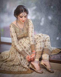 yess safina uska hi movie hw Pakistani Fancy Dresses, Pakistani Wedding Outfits, Pakistani Bridal Dresses, Wedding Dresses For Girls, Pakistani Dress Design, Party Wear Dresses, Bridal Outfits, Indian Dresses, Nikkah Dress
