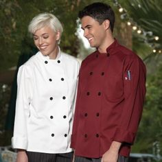 """Chefs Closet is a perfect destination for every individual looking for qualitative but low price chef clothes. You can order for top branded chef coats, aprons, jackets, hats, shirts, pants and a variety of accessories too. You can also benefit from their """"Clearance Sale"""" section."""