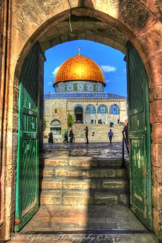Dome of the Rock by Moataz Egbaria - Photo 66522593 / Beautiful Mosques, Beautiful Buildings, Beautiful Places, Palestine Art, Palestine History, Terra Santa, Naher Osten, Mosque Architecture, Dome Of The Rock