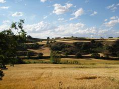 Avondzon over het Noord-Spaanse landschap (omgeving Burgos)
