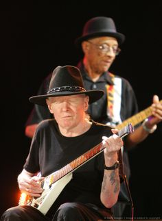 Hubert Sumlin (guitarist for Howlin' Wolf) and Johnny Winter (playing his Erlewine Lazer)