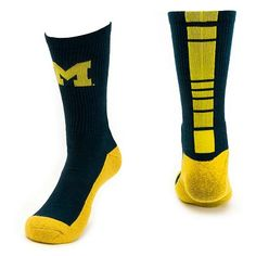 Mojo Michigan Wolverines Champ 1 2-Cushion Performance Crew Socks - Men  Champs 12 2cc6b45bd784