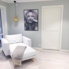 Se dette Instagram-bildet fra @ stollen_67 • lys antikkgrå Decor, Living Room, Room, Interior, Home Decor, Living Room Wall, Living Room Wall Color, Interior Design, Room Wall Colors