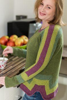 свитер красивый и связан интересно