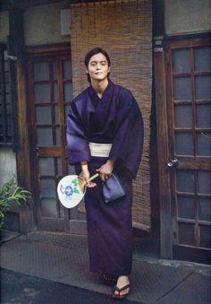 Kubota Masataka Japanese Costume, Japanese Kimono, Yukata, Male Kimono, Men's Kimono, Modern Kimono, Kimono Design, Asian Actors, Vintage Men