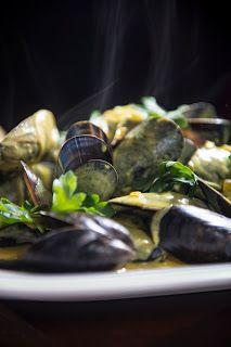 Mussels with Lemon-Saffron Sauce || Sounding My Barbaric Gulp!