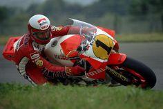Lawson. Se enfrentó contra los mejores en los '80 y se llevó 4 títulos de #500cc con Yamaha y Honda. #HeroeMotoGP
