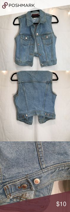 """Vintage denim vest Classic vintage light denim vest. Definitely has some wear but in such a good way (haha). No stains or holes. Can sinch to make the bottom a little lighter. Sits above the waist. 2 button pockets at breast line. Says it's a M but would look great on a S too.  armpit to armpit=17"""" back collar to bottom=17""""  ⚡️⚡️⚡️I love bundles and offers⚡️⚡️⚡️ Genuine Authentic Denim Jackets & Coats Jean Jackets"""