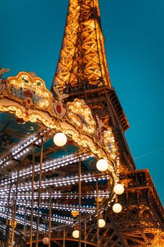 These Travel Aesthetic Wallpapers Will Feed Your Wanderlust Tour Eiffel, Torre Eiffel Paris, Paris Travel, France Travel, Paris Packing, Globe Travel, France Europe, Europe Travel Tips, Travel Guides