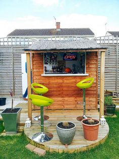 A bar in the backyard invites you to relax after a hard day's work. A bar in the backyard adds a Backyard Bar, Backyard Sheds, Outdoor Sheds, Outdoor Bars, Patio Bar, Outdoor Camping, Party Shed, Garden Bar Shed, Garden Sheds