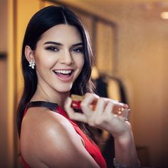 """@esteelauder's photo: """"@kendalljenner wearing her fave nude lip: #LipstickEnvy in Insatiable Ivory, Sumptuous Infinite Mascara, and of course, #ModernMuse Le Rouge #KJ4EL #TFFAwards"""""""