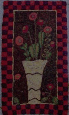 rug hooking pattern by Hollyhock Hill Designs....I could see this as a quilt