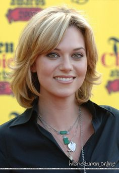 medium length from another angle Hilarie Burton Photo: Hilarie ♥ - - medium length from another angle Hilarie Burton Photo: Hilarie ♥ Haircut Types Ideas 2019 Fashion Haircu. Medium Hair Cuts, Short Hair Cuts, Medium Hair Styles, Curly Hair Styles, Medium Layered Haircuts, Shoulder Length Hair, Great Hair, Hair Today, Bob Hairstyles