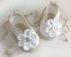 Crochet Baby Pink Shoes/Booties/Slippers/ por CreazioniFiopi