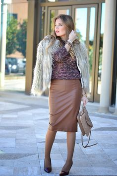 FUR COAT Brown Leather Skirt, Zara, Fur Coat, Style Inspiration, Skirts, Outfits, Women, Outfit, Fur Coats