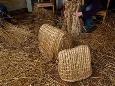 The kishie is a multipurpose basket traditionally made and used in Shetland to carry fuel, manure, crops and other goods. Shetland is a predominantly treeless environment, so kishie baskets are made with Shetland oat straw and soft rush, both of which are more readily available on the island than wood.Traditionally kishie baskets were made of black oat straw and soft rush or grass arranged in bundles called 'hjogs' and held in place by two-stranded strings or 'simmins'.