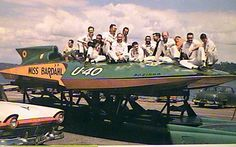 U-40 U40 Miss Bardahl and crew, classic unlimited class hydroplane hydroplanes hydro hydros racing boat boats