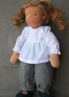 simple yet beautiful Fabric Dolls, Paper Dolls, Doll Toys, Baby Dolls, Girl Dolls, Blouse En Coton, Little Cotton Rabbits, Waldorf Dolls, Soft Dolls