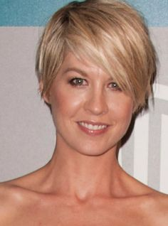 Loving this hair cut and style...easy breezy :)