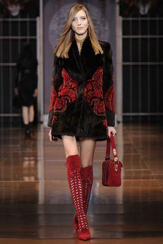 Versace RTW Fall 2014 - Slideshow - Runway, Fashion Week, Fashion Shows, Reviews and Fashion Images - WWD.com
