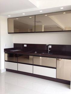 Kitchen Wardrobe Design, Kitchen Design Open, Luxury Kitchen Design, Kitchen Modular, Modern Kitchen Cabinets, Home Decor Kitchen, Kitchen Interior, Small Modern Kitchens, Bedroom Cupboard Designs