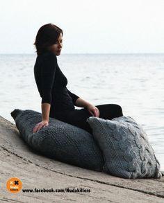 Nudakillers - floor pillows, handmade, knitted Cozy House, Knitting Projects, Floor Pillows, Lana, Bean Bag Chair, Knit Crochet, Knits, Design, Home Decor