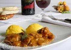 Tocanita de ciuperci cu carne de porc Jamie Oliver, Chicken Wings, Pork, Meat, Kale Stir Fry, Pork Chops, Buffalo Wings