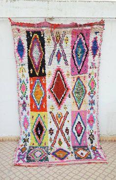 Boucherouite Teppich mit rosa Muster von FineMoroccanRugs auf Etsy