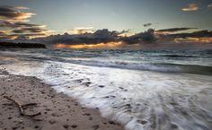Photograph waves by Giorgio Pirola on Waves, Mountains, Beach, Nature, Photography, Outdoor, Outdoors, Naturaleza, Photograph
