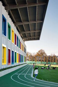 Architecture firm SOM has completed the first public school in New York City tha. Architecture firm SOM has completed the first public school in New York City that generates as much energy on site as it consumes. Future School, Dream School, I School, Primary School, Elementary Schools, School Site, Kindergarten Architecture, Education Architecture, School Architecture