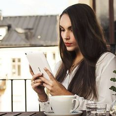 Enjoy your afternoon tea in good company. Never a dull moment with ASUS ZenPad | Tablets and mobile devices by ASUS