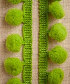 purl soho | products | item | medium pom pom trim - by the yard (purl soho)
