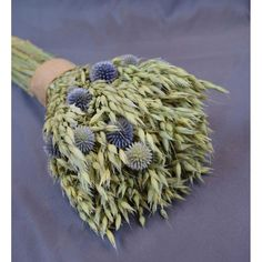 New design just in!! Check out this Avena Oats and Echinops Bouquet - carefully handmade and ready to display in your Farmhouse!  #farmhousedecor #farmhousestyle #modernfarmhouse #vintagefarmhouse #myhousebeautiful #fixerupper #farmhouse #fixerupperstyle #countryliving #cottagedecor #styleathome #rusticdecor #farmhousechic #countrystyle #rusticstyle #driedflowers #avena #echinops