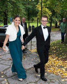Los príncipes Victoria y Daniel de Suecia, de boda con la familia Westling #royals #royalty #princess #sweden