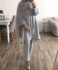Modest Outfits Muslim, Modest Fashion Hijab, Hijab Chic, Abaya Fashion, Muslim Fashion, Modest Wear, Fashion Outfits, Mode Abaya, Hijab Fashionista