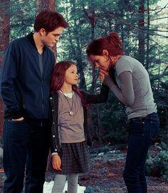 Breaking Dawn part 2 ~ Edward, Bella and Renesmee