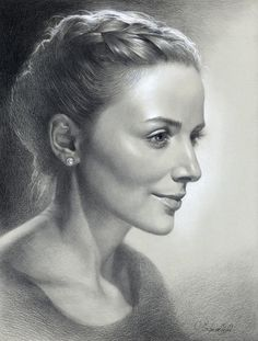 Pencil, charcoal, sepia by Olga Sternyk, via Behance Portrait Sketches, Pencil Portrait, Portrait Art, Portrait Paintings, Realistic Face Drawing, Drawing Faces, Profile Drawing, Charcoal Sketch, Charcoal Drawing
