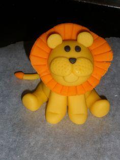 Handmade fondant lion by CScakedesign, via Flickr