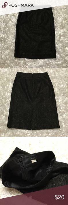 J.Crew Black Metallic Gold Wool Skirt J.Crew Metallic Gold Wool Blend Skirt. In great condition 70% Wool, 20% Nylon, 5% Cashmere, 5% Polyester. Size 0 J. Crew Skirts Pencil