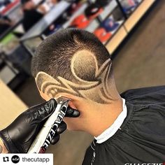#Repost @thecutapp with @repostapp  Artist: @chacezie_100 Follow and show some love. Use #thecutapp for reposts and follows #barbergang #carolinabarber #stlbarber #dmvbarbers #neweditionbet #rvabarber #atlbarber #chicagobarber #texasbarber #madisonbarber #boisebarber #calibarber #louisvillebarber #okcbarber #phillybarber #kcbarber #seattlebarber #iowabarber #nashvillebarber #nybarber #portlandbarber #kansascitybarber #barbersinctv #nbabarbers #nationalfadeleague #DatwaY