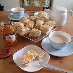 Scone buffet. 休日らしいこと。 #creamtea #marmalade and #creamcheese #mackays is so nice #sundaymorning