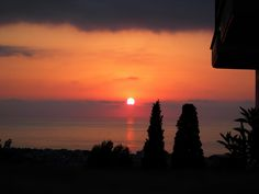 A Sunset in Kiparissia From Uptown.... thoira.com