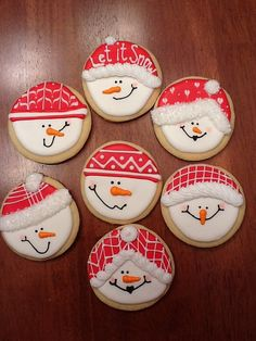 Snowman Cookies- yea right like I could make these but I'll pretend. via (xmas cookies snowman) Snowman Cookies, Christmas Sugar Cookies, Cute Cookies, Christmas Sweets, Christmas Cooking, Noel Christmas, Christmas Goodies, Holiday Cookies, Cupcake Cookies