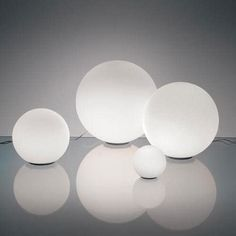 Artemide Dioscuri - Lampada da tavolo 25 in vetro soffiato, Bianco, E27, 23 x 25 cm: Amazon.it: Illuminazione