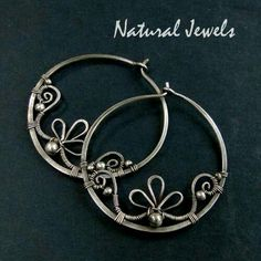 Good to know for jewelry-making! Jewelry Making Tips and Tutorials wire earrings Inspiration: Wire Earrings. Bijoux Wire Wrap, Wire Wrapped Earrings, Bijoux Diy, Wire Earrings, Sterling Silver Earrings, Earrings Handmade, Handmade Jewelry, Wire Bracelets, Filigree Earrings